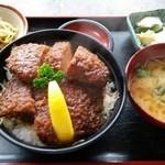 44008485 - ソースかつ丼(ヒレ)1050円
