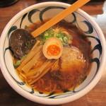 麺鮮醤油房 周月 - 愛媛・梶田醤油と親鶏ガラスープ使用【周月らーめん】