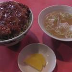 中華料理 萬来軒 - H27年11月、ソースかつ丼(950円)