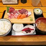 漁十八番 - 刺身定食