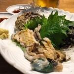 海鮮市場 長崎港 - 活けあわび2個¥1300ちっちゃいけど美味しい(o^^o)