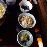 ほうとう処 慶千庵 - 季節のご飯はまいたけご飯