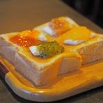 コーヒーハウス かこ - トースト(コンフィチュール+クリームチーズ+バター)