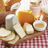 ビストロ ユウ - 料理写真:チーズ盛り合わせ   ご来店の度に違ったチーズをお楽しみ頂けます