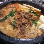 李朝園 - 料理写真:プルコギチョンゴル(2人前2400円+税)