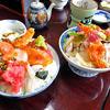 鮨岡 - 料理写真:「本気丼(中)」(左)&「本気丼(小)」(2015年11月)