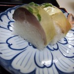 44137105 - 上鯖寿司うどんセットの鯖寿司