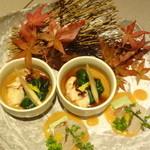 越後屋 久保田 - 鶏皮ポン酢(一品料理)・新鮮真鯛の酢味噌和え(前菜)/10月来店