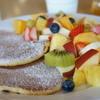 ヴェルクラール・フルーツ&ケーキ - 料理写真:いただいたのは、フルーツいっぱいの「果物屋さんのパンケーキ」です(2015.11.5)