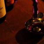 ぶどうの丘 地下ワインカーヴ - ドリンク写真:チカの重厚な雰囲気