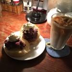 coffee shop KAKO  - カイザーパンの小倉トースト