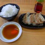 ぎょらん亭 - 餃子とライスのラーメンセット。+300円。