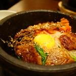 チェゴヤ - 石焼肉丼 (¥926)