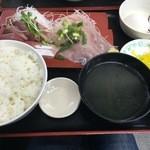 ゆうき食堂 - 刺身二点盛り定食