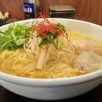 44316895 - あら炊き塩らぁめん(大盛り)+水菜