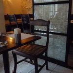 海南鶏飯食堂2 - リゾートっぽい雰囲気の店内☆