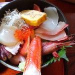 食処 鶴天 - 海鮮丼アップ