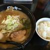 帯広ロッキー - 料理写真:味噌ラーメンと昼間はサービスのライス