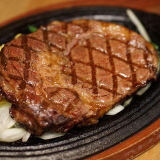 大きいサイズのステーキも充実