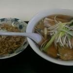 八仙居酒楼 - チャーシュー麺+半炒飯セット  スープは優しい味付け チャーシューは残念  もう一度食べたいとは思えないかな  炒飯はシッカリした味付けで美味しい