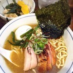 欽山製麺所 - 料理写真:鶏そば + 特製オプション (700+200円) '15 10月中旬