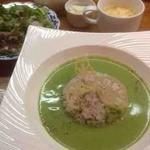 美味これくしょん神田倶楽部 - ほうれん草たっぷり! グリーンカレー
