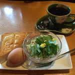 カマラード珈琲店 - 料理写真:ブレンドコーヒー400円とAセット