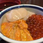 きくよ食堂 - 元祖函館巴丼(ハーフ)1380円(税別)