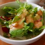 サザンビーチカフェ - サラダはドレッシングがなかなか美味しい