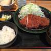 かつ金 - 料理写真:ロースカツ定食