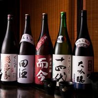お料理にぴったりの全国から厳選した日本酒を取り揃えております