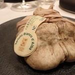 レストラン ラ フィネス - 本日の白トリュフ1g800円の仕入れにつき9万円也