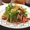 ミャンガイ(パクチーたっぷりと鶏唐揚げのサラダ)