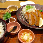 大戸屋 - ヒレカツ定食&唐揚げ追加