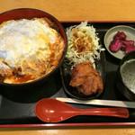 ほっと屋 - 鶏かつ丼大盛 とりから追加 ¥1080
