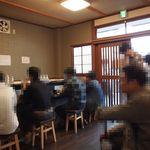 らぁ麺 飛鶏 - オープン直後で20人以上の方が来店してました!