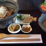 アースガーデン - 塩麹黒豚丼セット