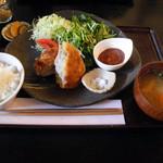 アースガーデン - 米糠入り黒豚メンチカツごはんセット