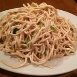 44622913 - 豆腐の細切り。同店No.1の一品。あっさり・もっちりとした豆腐の麺は他店では味わうことができないと思います。美味!