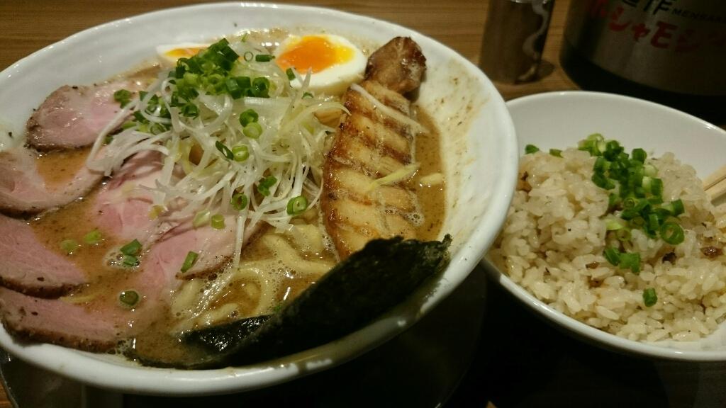 麺作 赤シャモジ 新潟東店