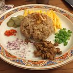 サバ サバ ナッツ - 料理写真:カオ クルック カビ