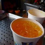 迪化街金桔檸檬 - 柳丁汁(TWD30) 搾りたてに、クラッシュアイス!