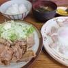 ぼんち - 料理写真:豚肉しょうが焼き定食ご飯少なめ610円とベーコンエッグ270円