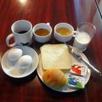 カフェ&バー コルト - モーニング432円