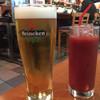 ダールフルット - ドリンク写真:ハイネケン生とトマトジュース