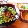 カフェ ソイガソル - 料理写真:長芋と茹で豚の香味野菜丼