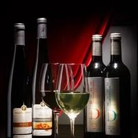 自社輸入のフランスワインをはじめワインも充実の品揃え!