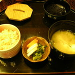 古仙 - かやく飯と鯛の味噌汁♪お腹いっぱいです~。