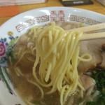 中華そば スエヒロ - 麺カタのリフト〜(*^◯^*)