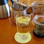 茶語 - 「阿里山金萱」をアイスでいただきました 3杯ほど飲めます
